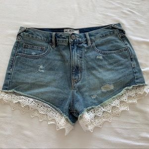 Free People Lace Trim Shorts Size 28